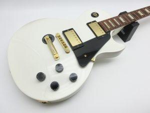 神奈川県より、Gibson LP-STUDIO ジャンクギターを買取させて頂きました。