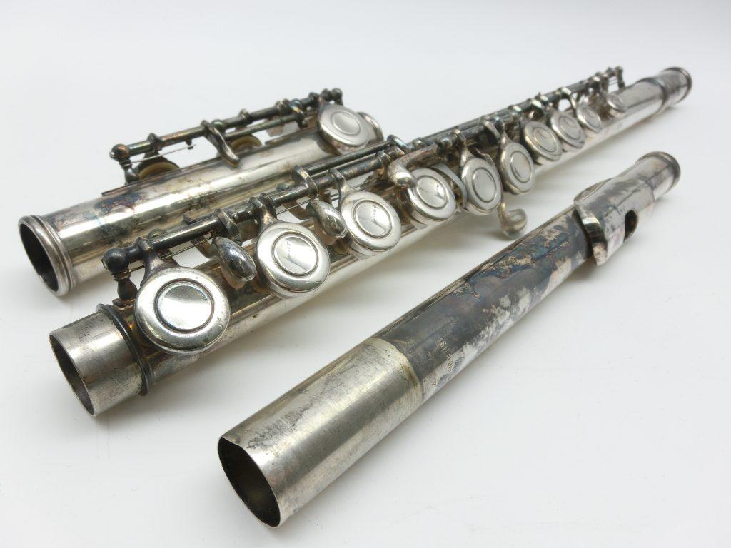 買取紹介:ヤマハYFL-31初代頭部管銀製フルートの全体画像