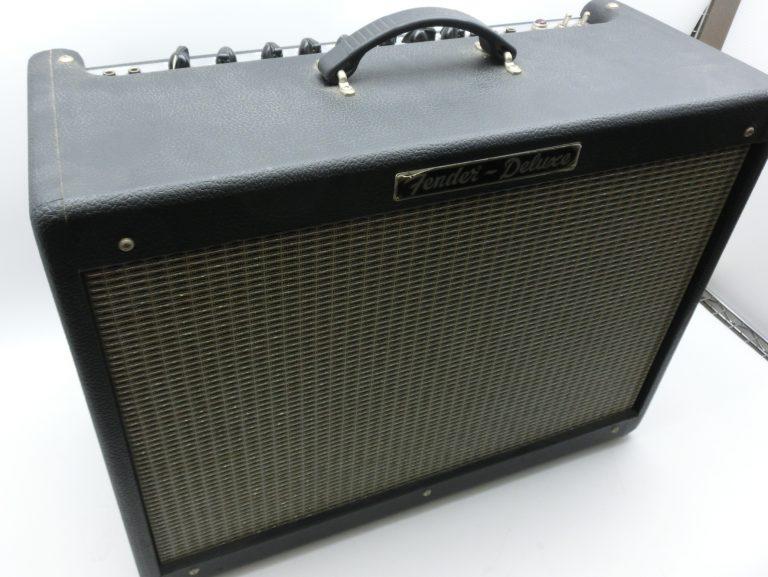 Fender USAのギターアンプ HOT ROD DELUXE PR246を買取りました。
