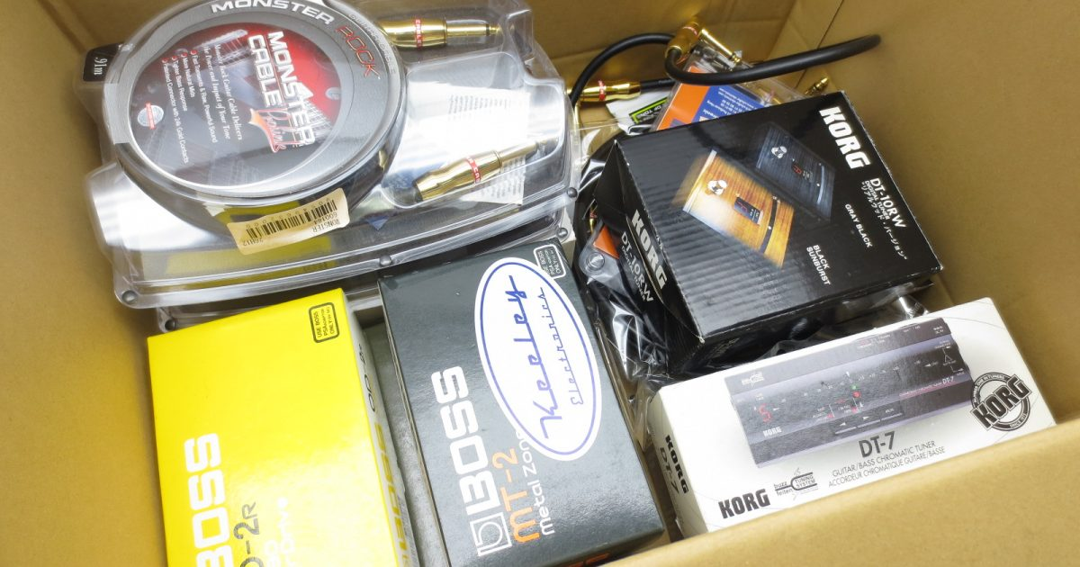 東京都よりBOSSのエフェクターやパッチケーブル等を買取頂きました!