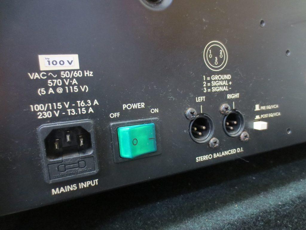 TRACE ELLIOT(トレースエリオット) のキーボードアンプ TEK300背面パネル