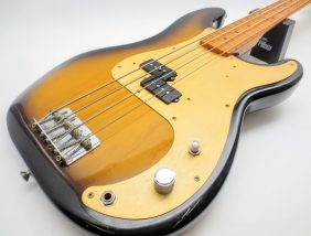フェンダー USA American Vintage Series '57 Precision Bass 2-Color Sunburstの全体写真