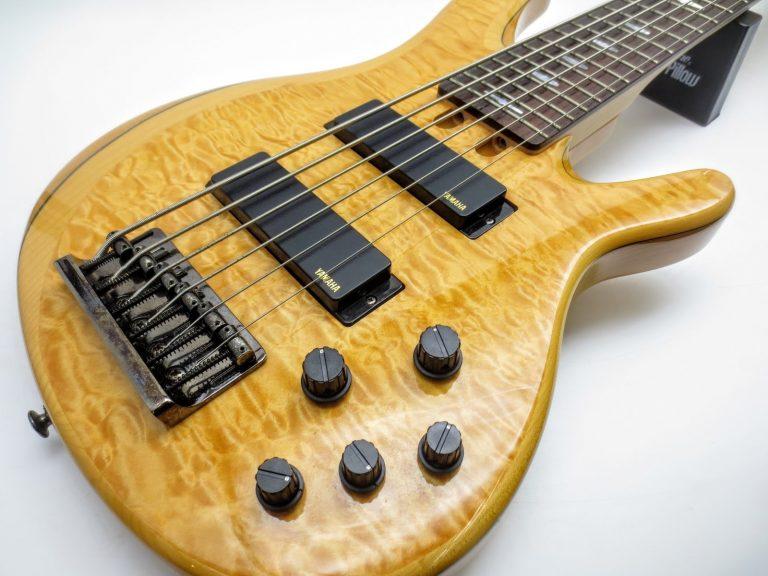 店頭にて、ヤマハ TRB1006 6弦エレキベースを買取りさせて頂きました!