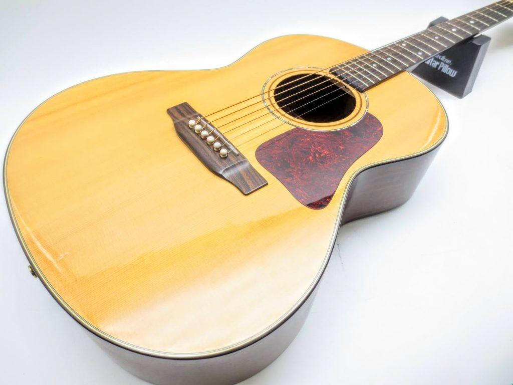 K.YAIRI アコースティックギター RAS-RF OVAを買取させて頂きました。
