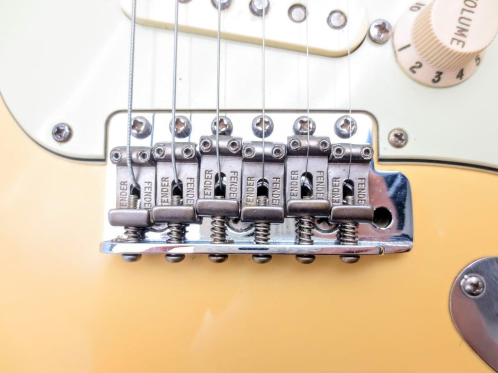 Fender USA Vinstage ST62 Thin Lacquerのブリッジ