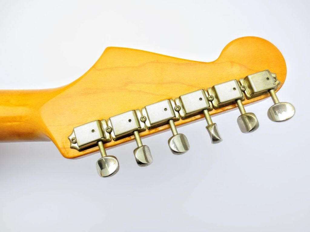 Fender USA Vinstage ST62 Thin Lacquerのヘッド裏