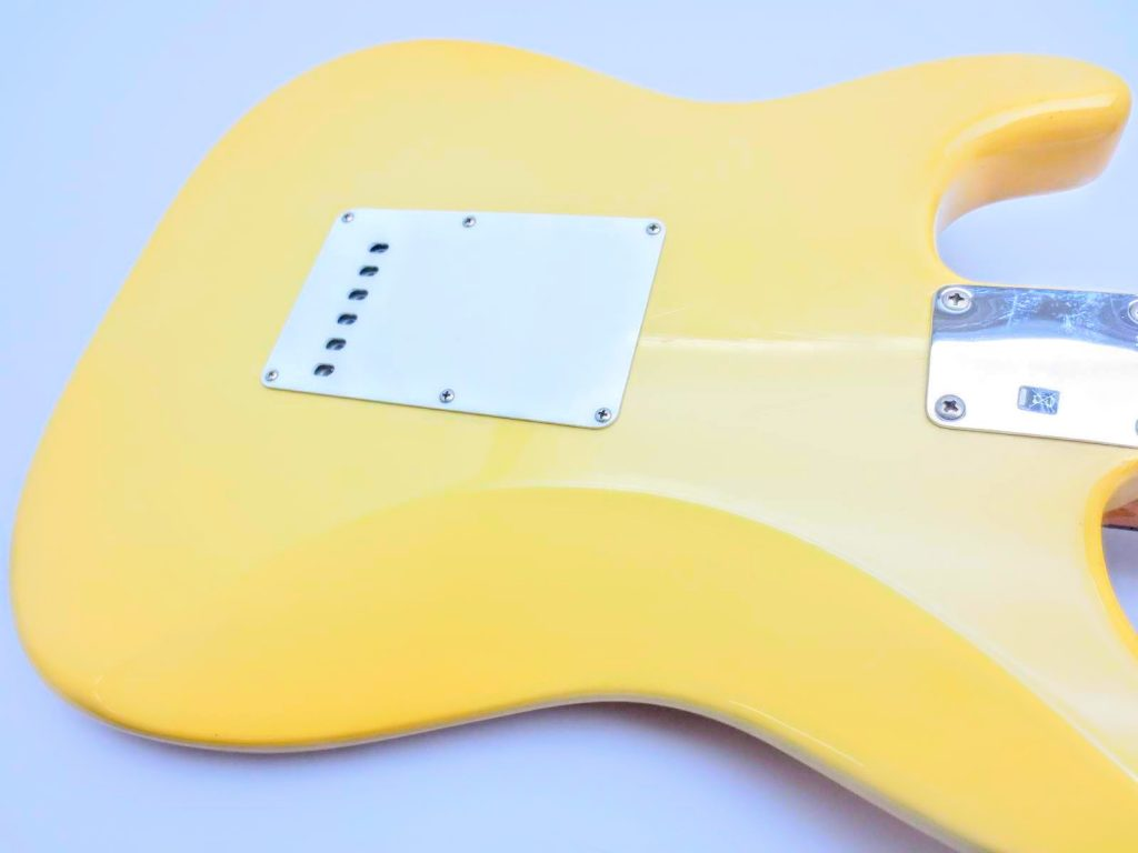 Fender USA Vinstage ST62 Thin Lacquerのボディ裏