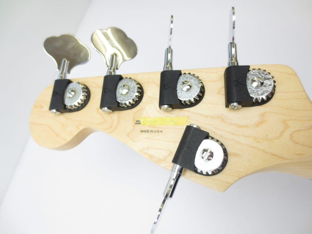 Fender USA American Deluxe Jazz Bass Ⅴ SCN 3 Tone Sunburstのペグ