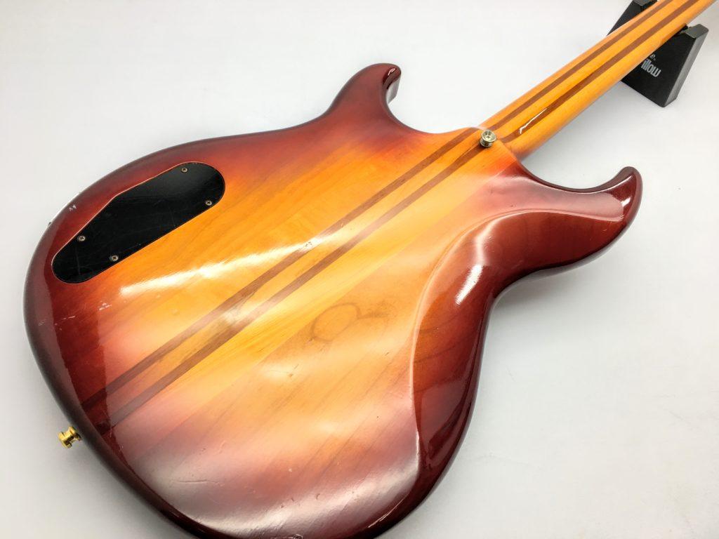 YAMAHA BB2000 Broad Bass 2000のボディ裏
