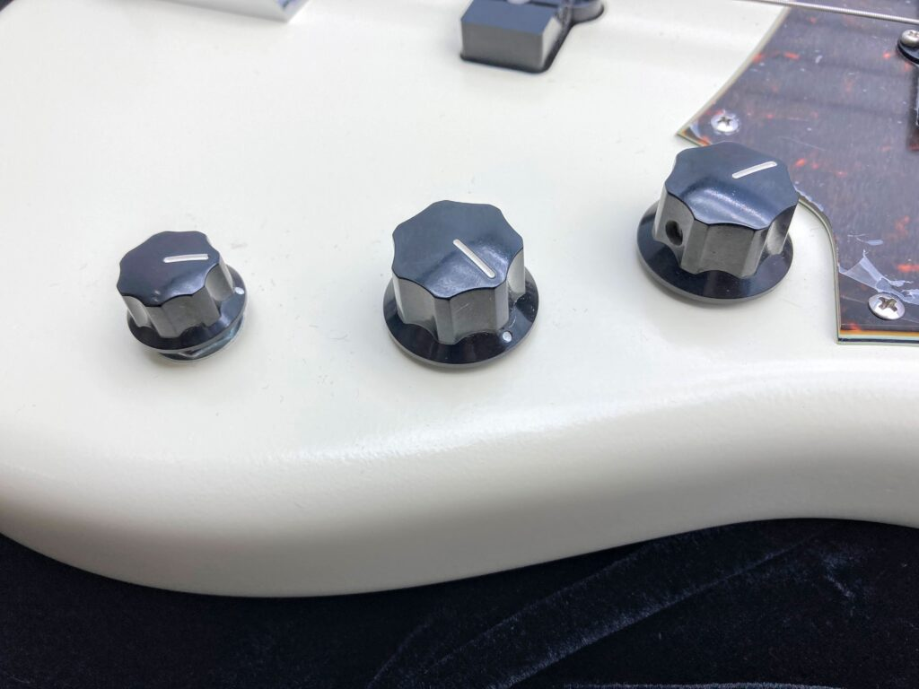 Freedom Custom Guitar Research Anthra 5th alder コントロール部