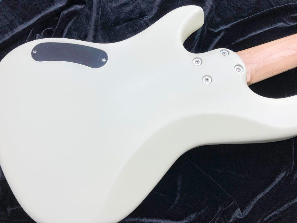 Freedom Custom Guitar Research Anthra 5th alder ボディ裏